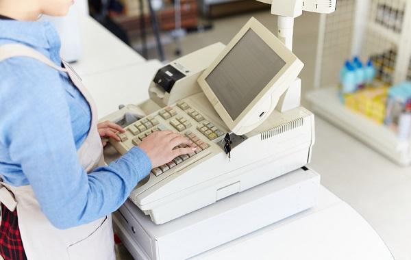 レジ業務の仕事内容や向いている人を紹介!将来性についても解説